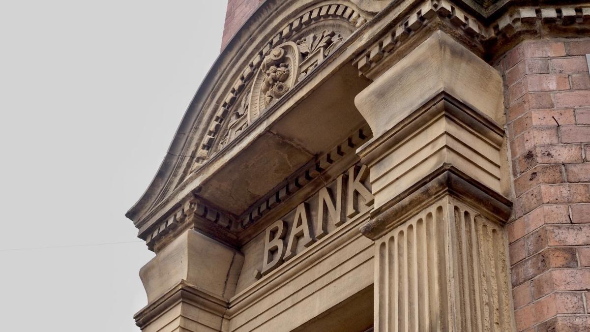 Lukrative Bank-Geschäftsanteile? Wie 4% Rendite auf 1% schrumpft